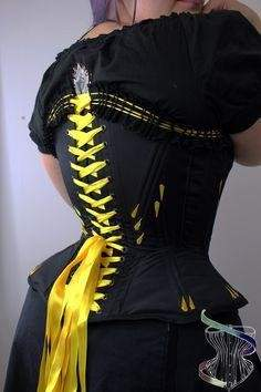 S-shaped corsets