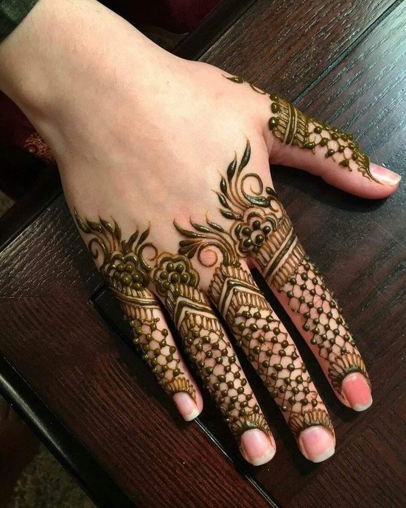 The pretty finger tips